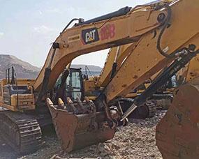 小型履带式挖掘机