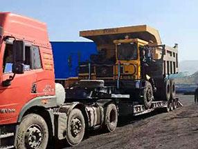 煤矿履带式挖掘机合作现场