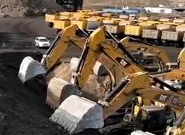 卡特挖掘机视频展示