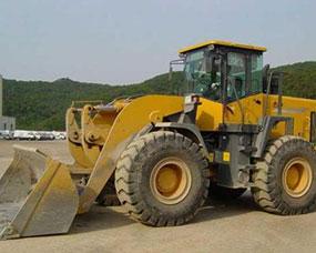 挖掘式装载机